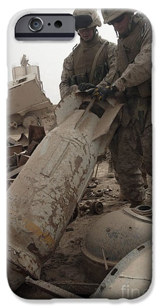 Iraq iPhone Cases - Marines Lift Up A Bomb To Determine If iPhone Case by Stocktrek Images