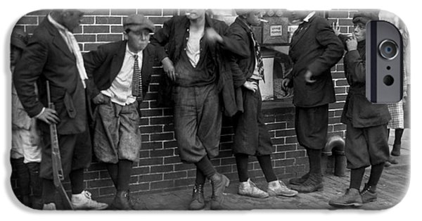1916 Photographs iPhone Cases - MASSACHUSETTS: GANG, c1916 iPhone Case by Granger