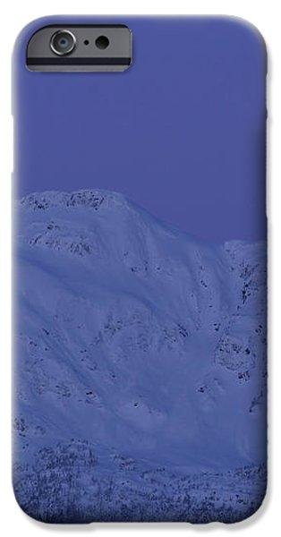 Moonset At Dawn iPhone Case by Yuichi Takasaka