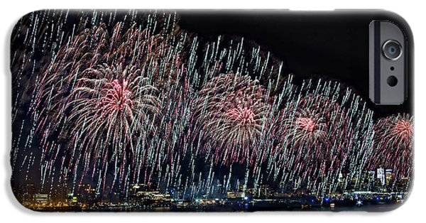 Fourth Of July iPhone Cases - New York City Celebrates the 4th iPhone Case by Susan Candelario