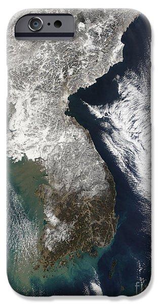 Snow In Korea iPhone Case by Stocktrek Images