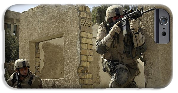 Baghdad iPhone Cases - U.s. Army Soldiers Reacting To Small iPhone Case by Stocktrek Images