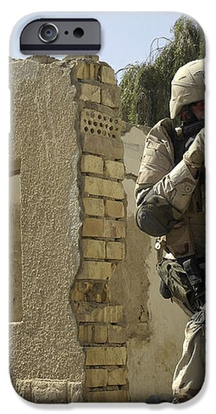 U.s. Army Soldiers Reacting To Small iPhone Case by Stocktrek Images