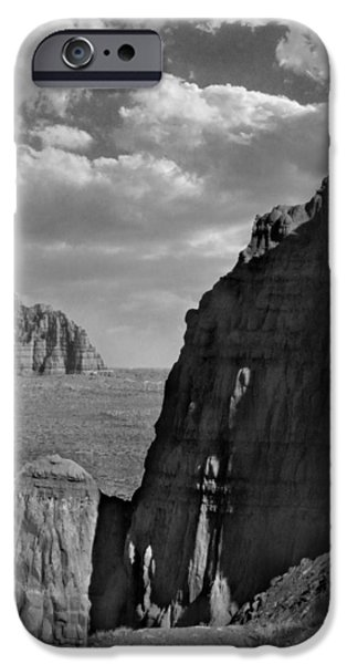 Utah Outback 26 iPhone Case by Mike McGlothlen