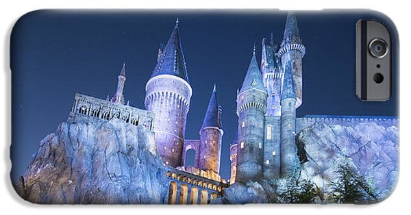 Hogwarts iPhone Cases - Hogwarts Castle iPhone Case by Noah Bryant