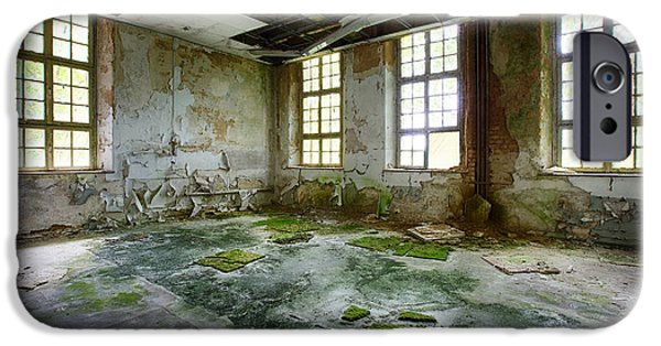 Haunted House iPhone Cases - Abandoned Room - Urban Exploration iPhone Case by Dirk Ercken