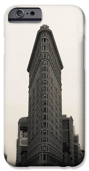 Nyc Mixed Media iPhone Cases - Flatiron Building - NYC iPhone Case by Nicklas Gustafsson