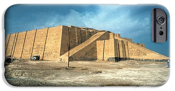 Iraq iPhone Cases - Iraq: Ziggurat In Ur iPhone Case by Granger