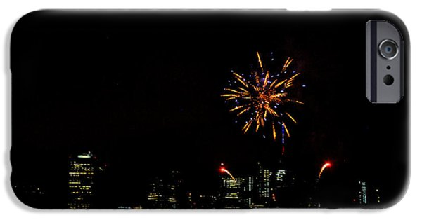 Fourth Of July iPhone Cases - July 4 Fireworks over New York City iPhone Case by Diane Lent