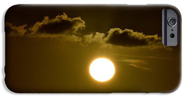 Disc iPhone Cases - Sunrise at Miami - 04Apr2015 - Pic1 iPhone Case by Srinivasan Venkatarajan