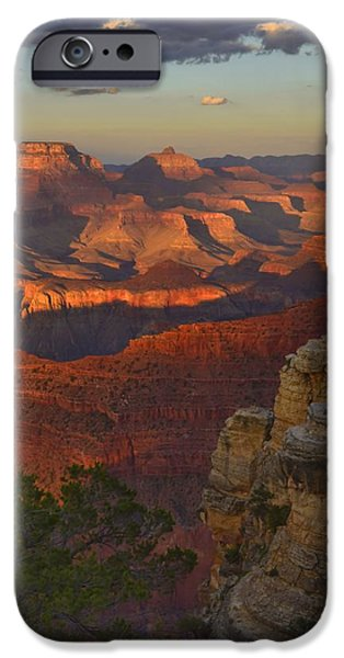 Grand Canyon iPhone Cases - Yavapai Point Sunset iPhone Case by Stephen  Vecchiotti