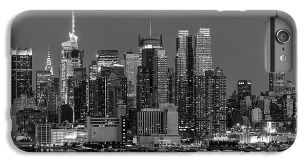Manhattan Twilight Iv IPhone 6 Plus Case by Clarence Holmes