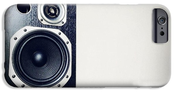 Speaker IPhone Case by Les Cunliffe