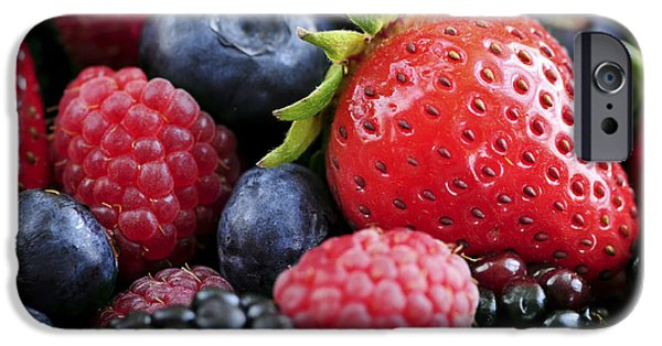 Assorted Fresh Berries IPhone 6s Case by Elena Elisseeva