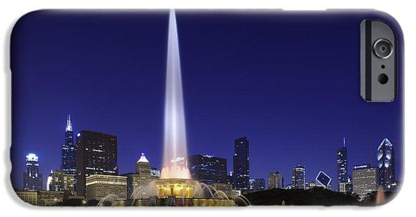 Buckingham Fountain IPhone Case by Sebastian Musial