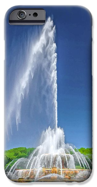 Buckingham Fountain Spray IPhone Case by Christopher Arndt