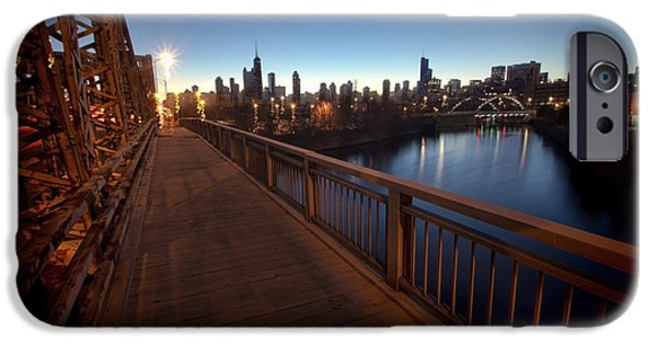 Chicago River Scene At Dawn IPhone Case by Sven Brogren