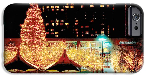 Crown Center Christmas - Kansas City IPhone Case by Gary Gingrich Galleries