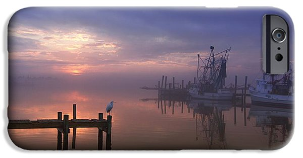 Foggy Sunset Over Swansboro IPhone 6s Case by Benanne Stiens