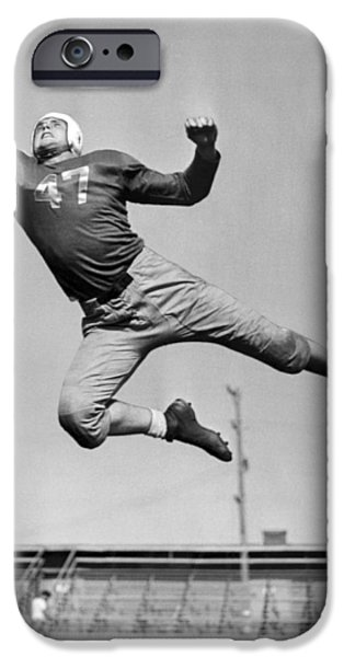 Football Player Catching Pass IPhone 6s Case by Underwood Archives