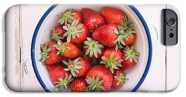 Fresh Strawberries  IPhone 6s Case by Viktor Pravdica