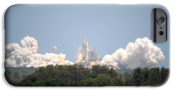 Sts-132, Space Shuttle Atlantis Launch IPhone Case by Science Source