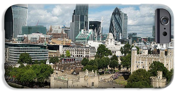 Tower Of London And City Skyscrapers IPhone 6s Case by Mark Thomas