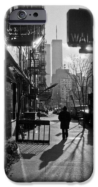 Walk Manhattan 1980s IPhone Case by Gary Eason