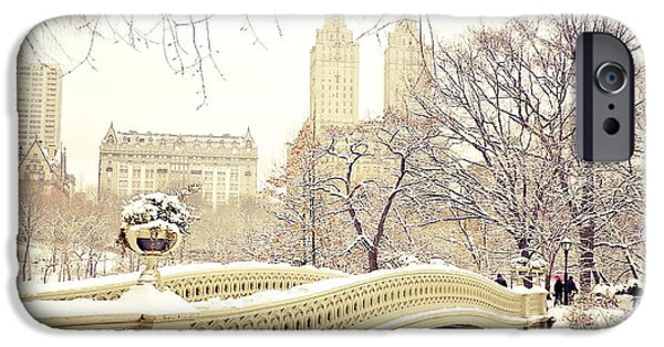 Winter - New York City - Central Park IPhone 6s Case by Vivienne Gucwa