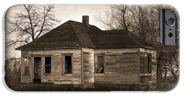 Abandoned Farm House IPhone Case by Richard Wear