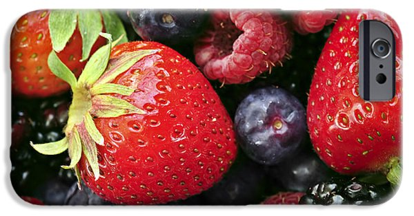 Fresh Berries IPhone 6s Case by Elena Elisseeva