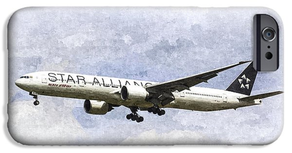 Star Alliance Boeing 777 IPhone Case by David Pyatt