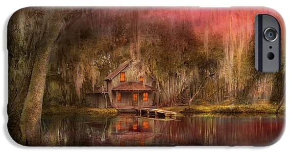 Cabin - De Land, Fl - Summer Cottage 1904 IPhone Case by Mike Savad