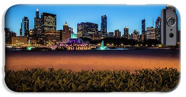 Chicago's Buckingham Fountain At Dusk  IPhone Case by Sven Brogren