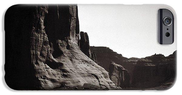 Navajos: Canyon De Chelly, 1904 IPhone Case by Granger