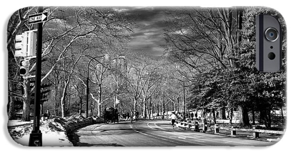 One Way In Central Park IPhone 6s Case by John Rizzuto