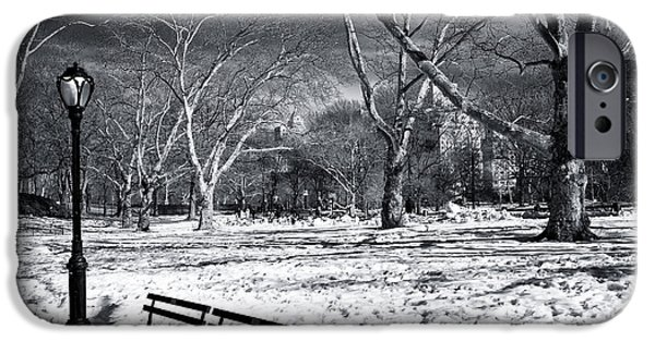 Quiet In Winter At Central Park IPhone 6s Case by John Rizzuto