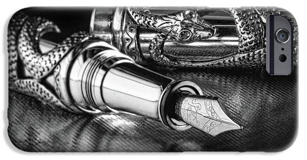 Snake Pen In Black And White IPhone 6s Case by Tom Mc Nemar
