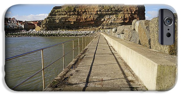 Staithes IPhone Case by Stephen Smith