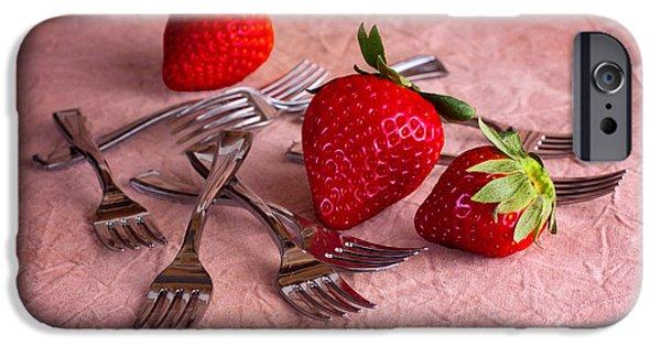 Strawberry Delight IPhone 6s Case by Tom Mc Nemar