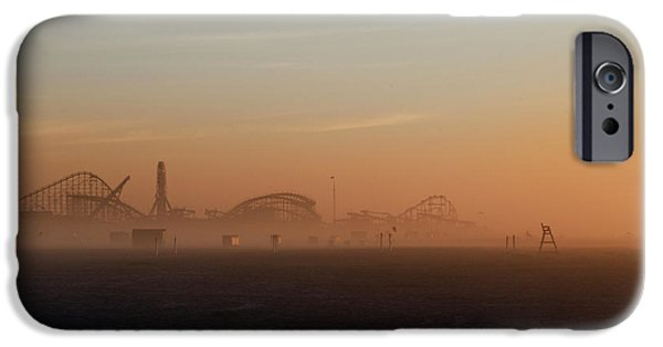 Wildwood New Jersey Just Before Dawn IPhone Case by Bill Cannon