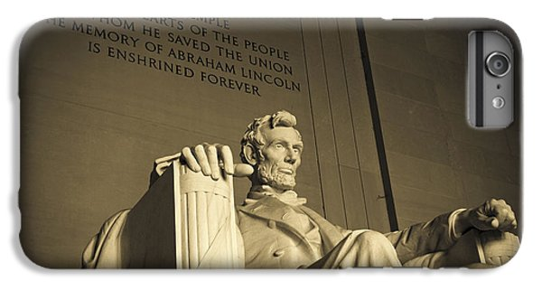 Lincoln Statue In The Lincoln Memorial IPhone 6s Plus Case by Diane Diederich