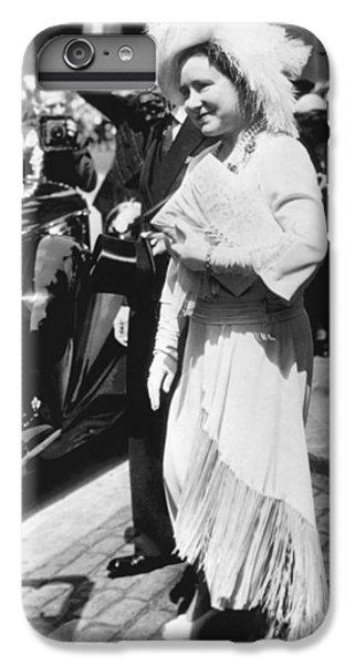 Queen Elizabeth Fashion IPhone 6s Plus Case by Underwood Archives