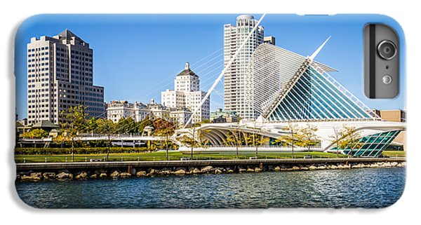 Milwaukee Skyline Photo With Milwaukee Art Museum IPhone 6s Plus Case by Paul Velgos