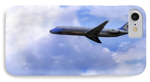 Air Force One - Mcdonnell Douglas - Dc-9 IPhone 7 Case by Jason Politte