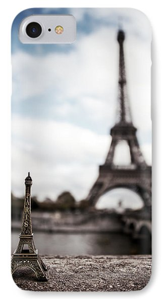 Eiffel Trinket IPhone 7 Case by Ryan Wyckoff