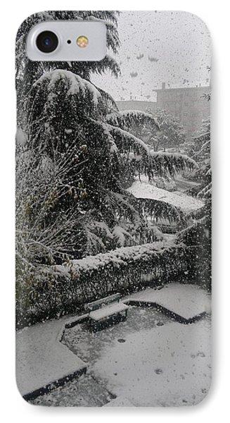 Huge Snowflakes Phone Case by Giuseppe Epifani