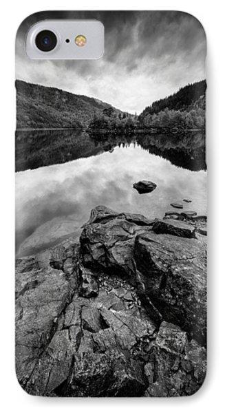 Loch Beinn A Mheadhoin Phone Case by Dave Bowman