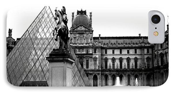 Paris Black And White Photography - Louvre Museum Pyramid Black White Architecture Landmark IPhone 7 Case by Kathy Fornal
