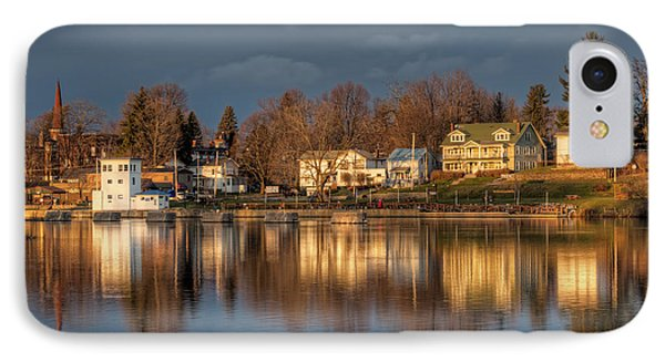 Reflection Of A Village - Phoenix Ny IPhone 7 Case by Everet Regal